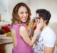 neckische Frau und ihr Freund