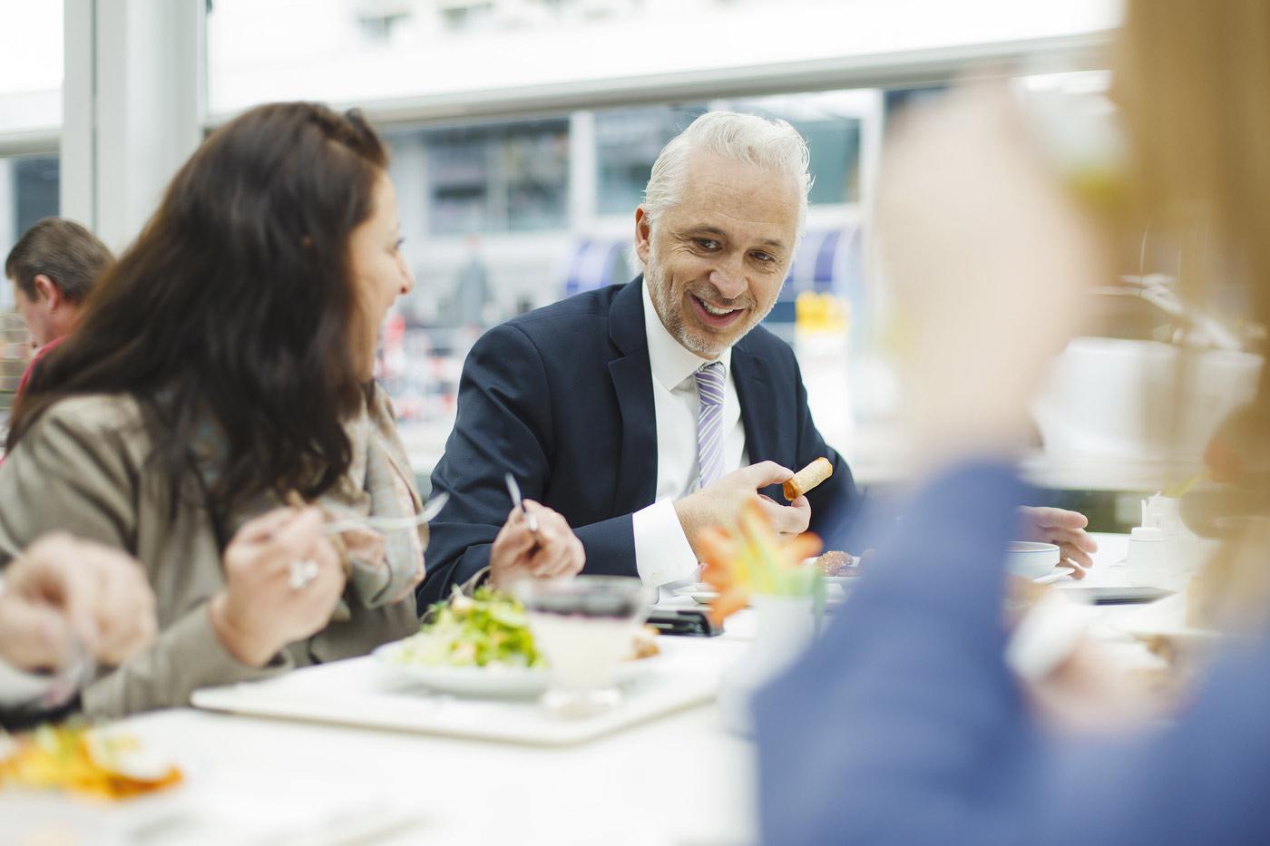 business-lunch-kollegen