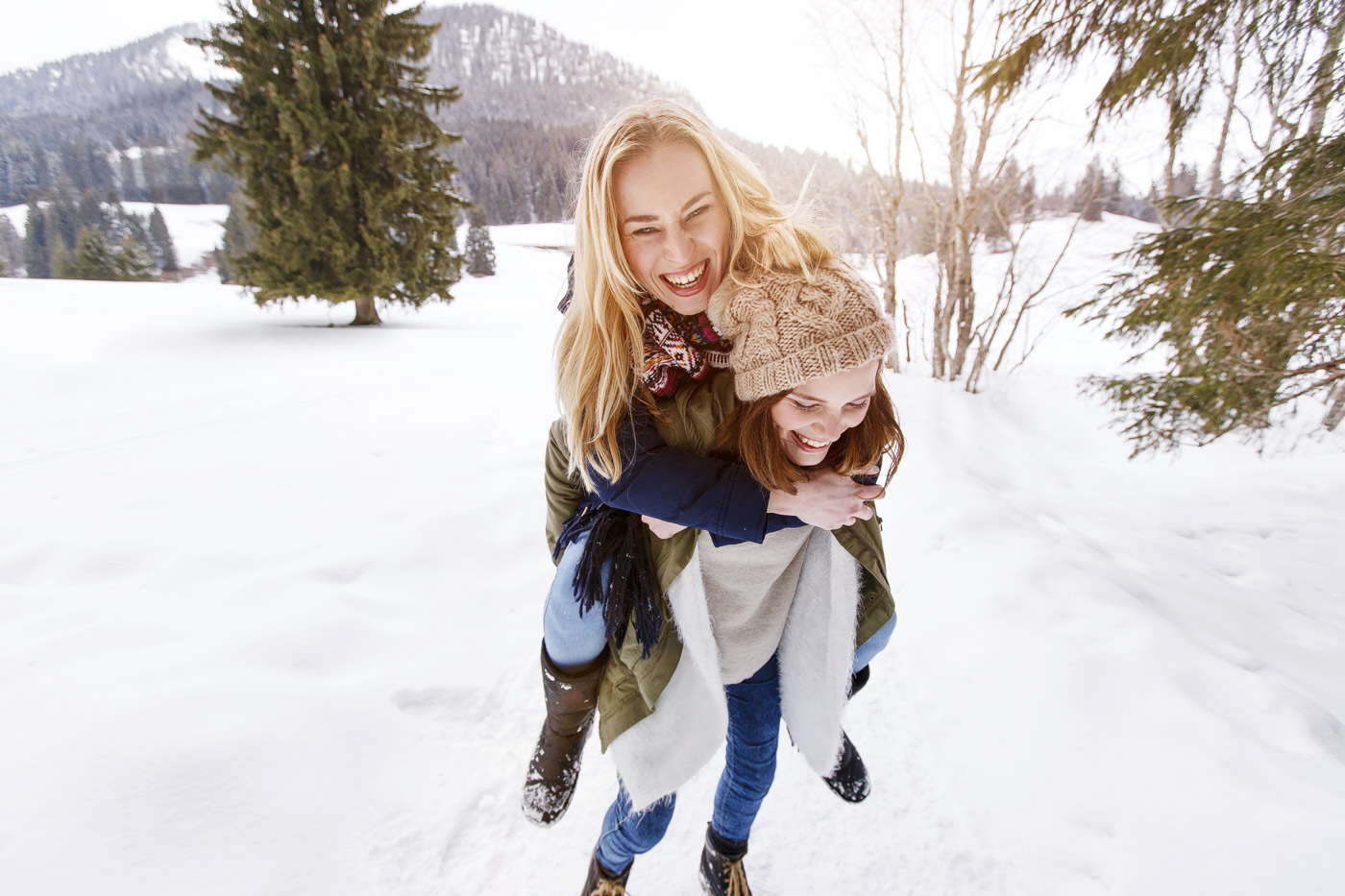 girls-winter-outdoor