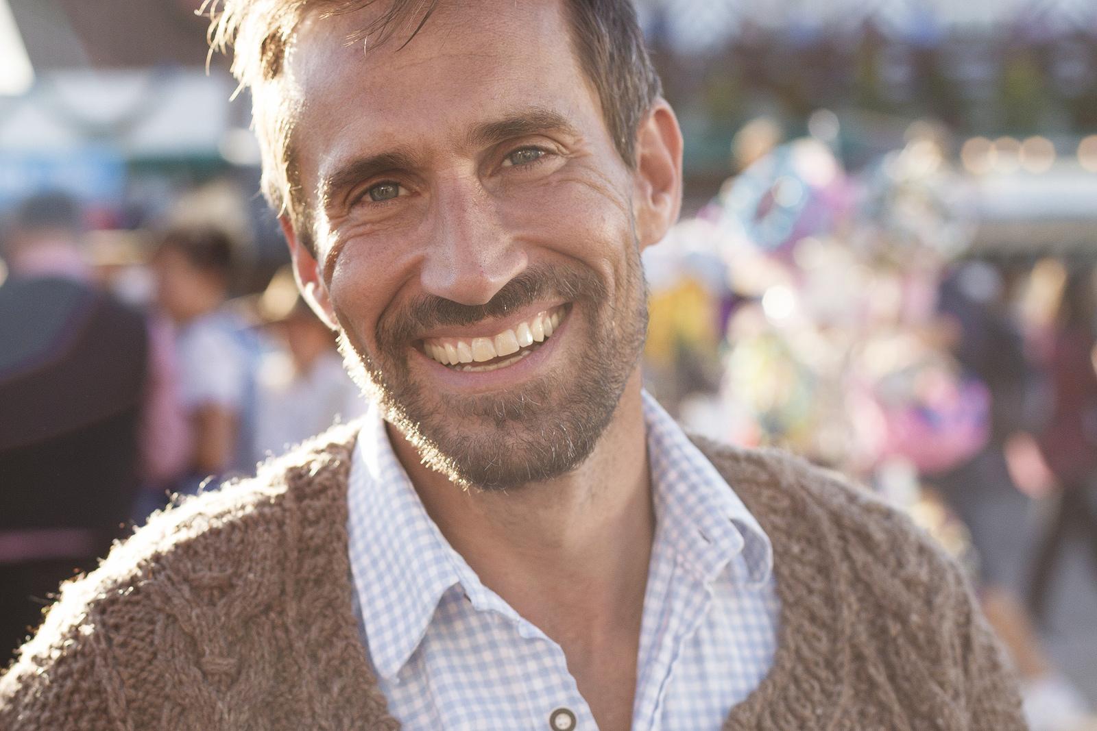 Portraitotografie eines Mannes am Oktoberfest