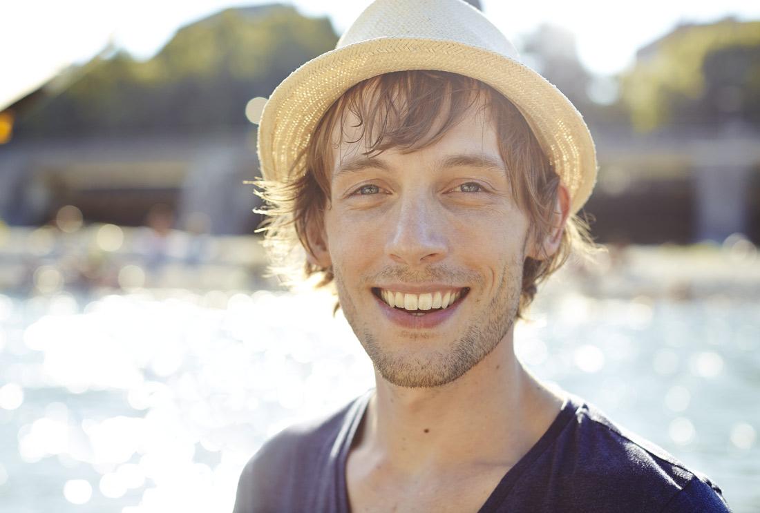 Werbefotografie Sommer Mann Hut